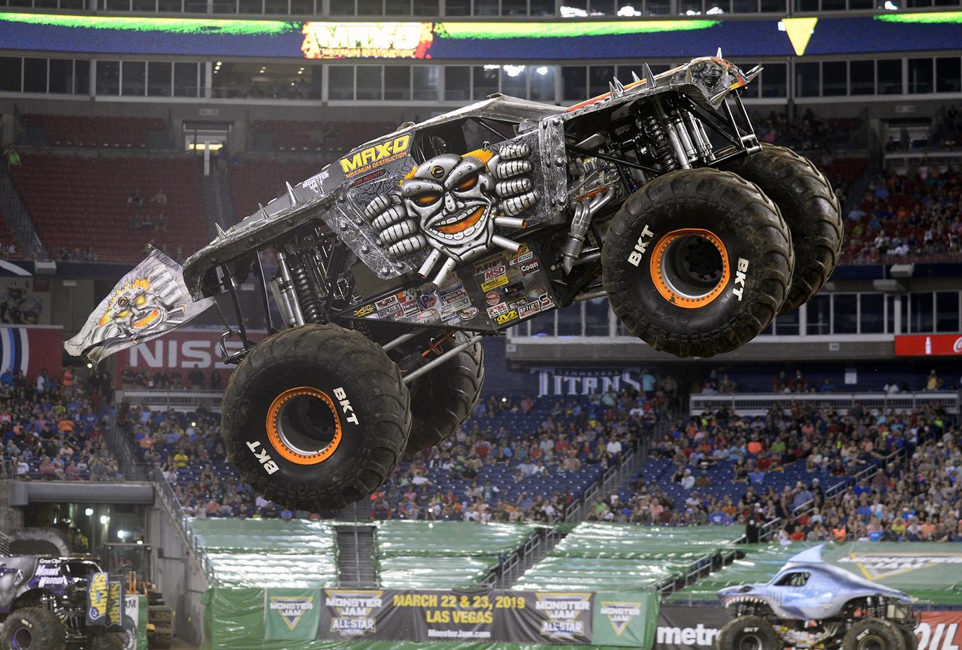 Max-D Monster Jam Truck | Monster Jam