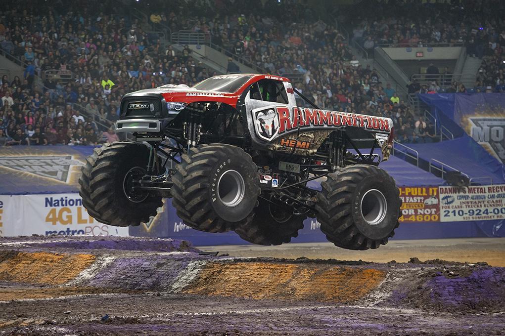 Wagon In Spanish >> Rammunition   Monster Jam