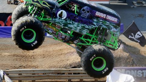 Grave Digger - DeAngelis Photo