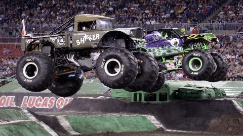 Saigon Shaker versus Grave Digger. Photo by Dave DeAngelis