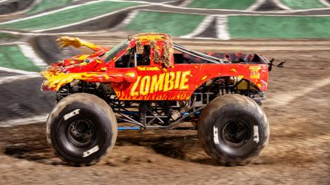 Zombie. Photo by Susan Woolley/123 Event Photography