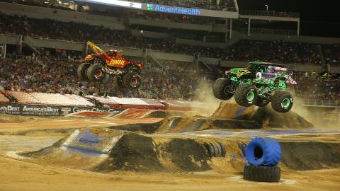 Zombie Fire vs. Grave Digger - Photo by Brett Moist