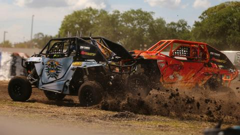 Max-D vs. El Toro Loco - Photo by Brett Moist