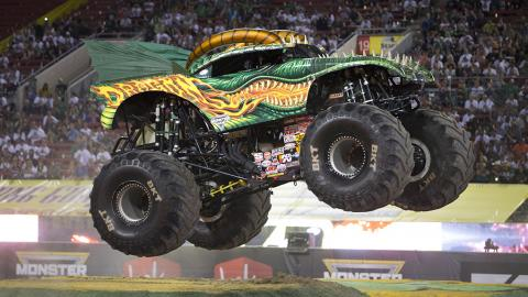 Dragon Monster Jam Truck