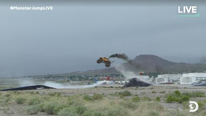 MonsterJumpLIVE BroDozer Jumps Over a Flying Plane